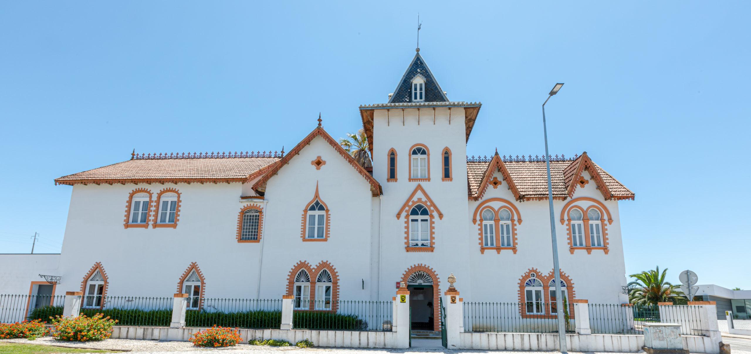 Casa - Exterior (de frente)